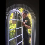 Free window cleaning and roof gutter cleaning estimate! Call 916-743-7001 right now!